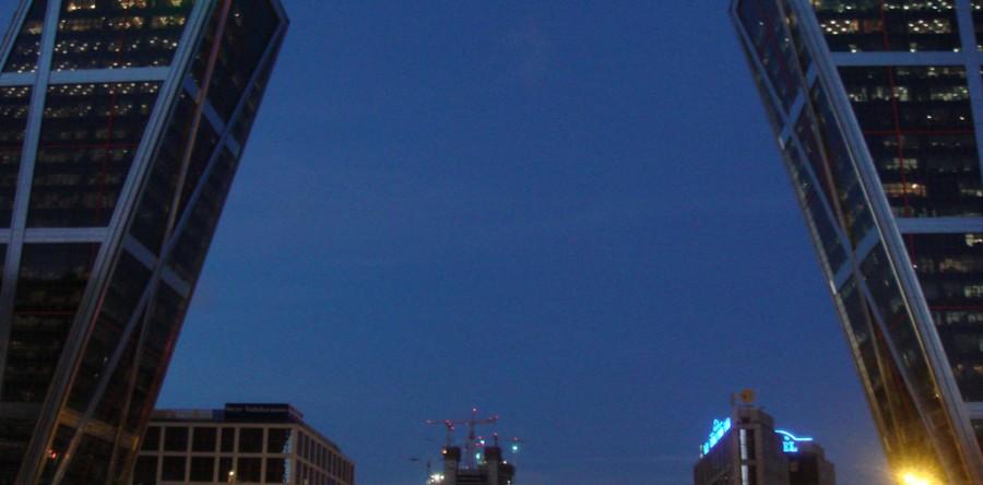 Las cinco torres inclinadas m s espectaculares del mundo - Torres kio arquitecto ...